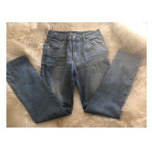 ❗️SALE❗️GAP Straight Leg Blue Jeans